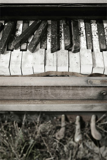 photograph of an old piano's keys
