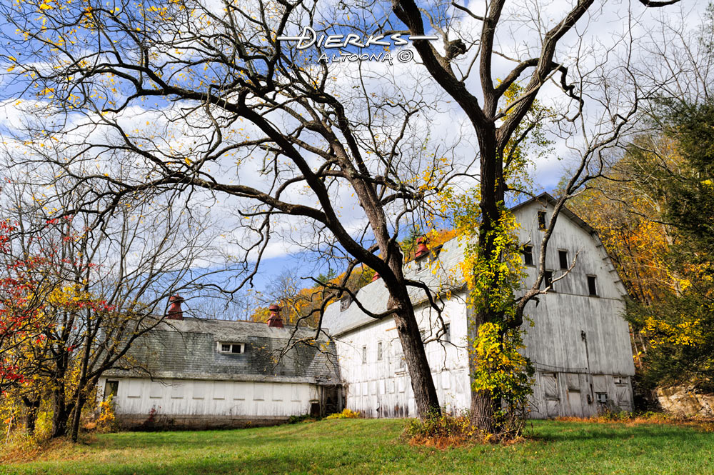 The abandoned barn of the EshBeck Farm in the scenic fall foliage of the Delaware Water Gap.